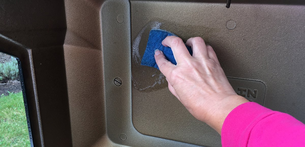 Cleaning the Interior of Your Grill